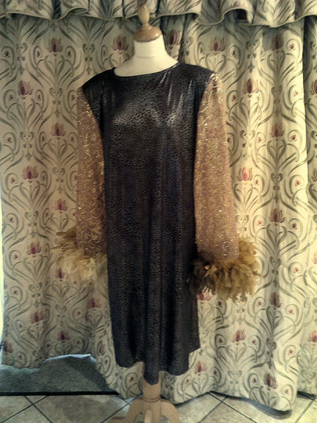 Drag Queen Black/Gold/Silver SHORT dress with lemon feathers 20/22