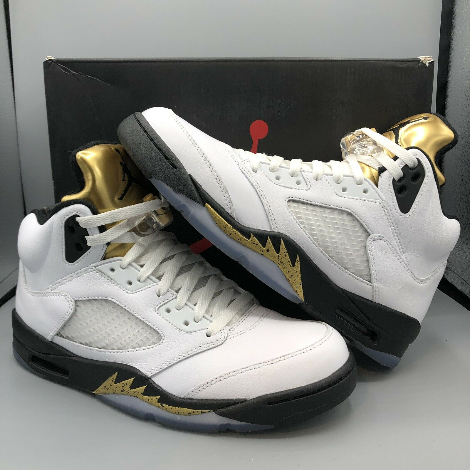 Nike Air Jordan Retro V Black Metallic gold Coin White Size 9.5 XI IV Royalty