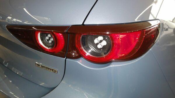 Mazda 3 2,0 Sky-G 122 Cosmo aut. - billede 2