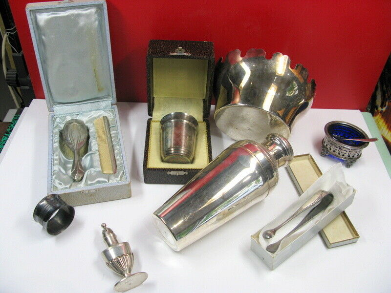 Lots divers en métal argenté, Christofle, orfevrerie de Paris, EPNS.............