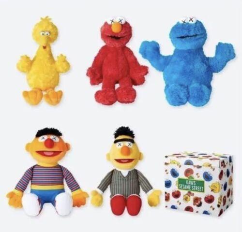 UNIQLO KAWS × SESAME STREET Toy Complete BOX PLUSH DOLL NEW UNOPENED stuffed
