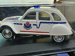 Citroen-2CV-Polizia-Basca-Ertziantza-Scala-1-32-Die-Cast-Atlas-GD01-Nuova