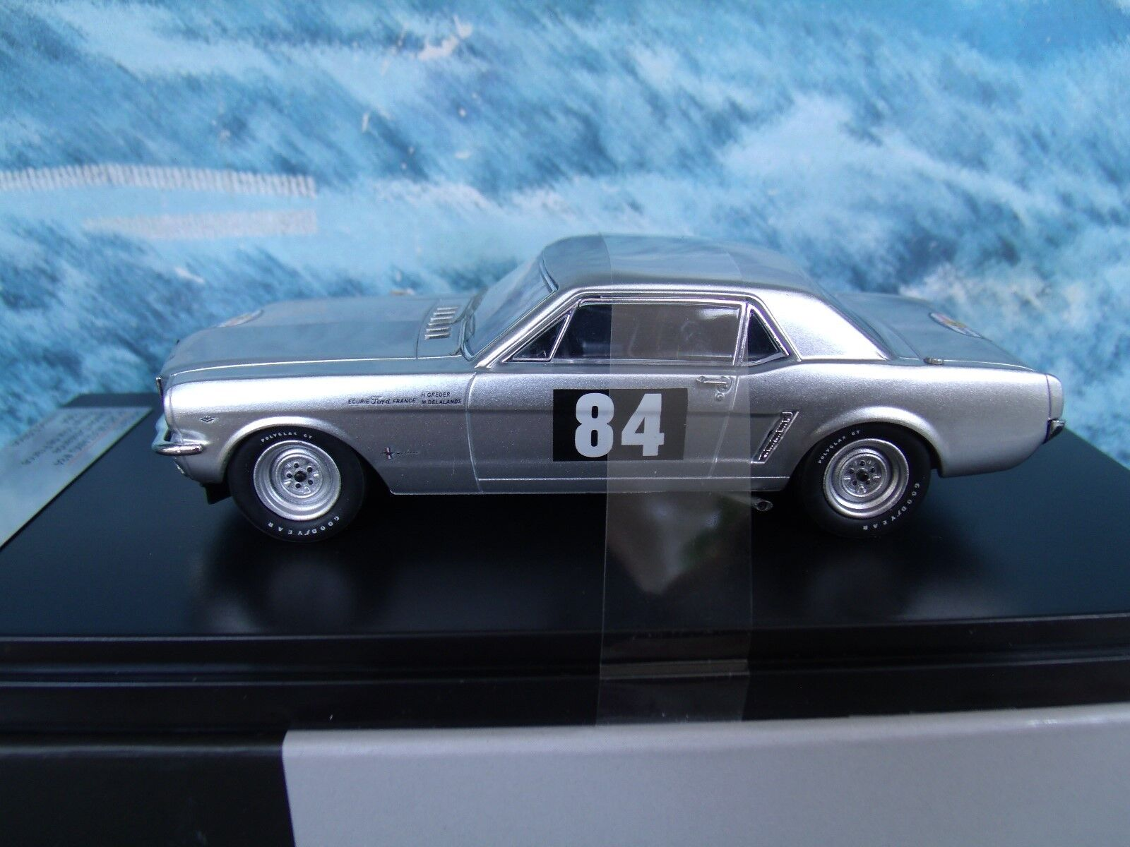 1 43 Premium X Ford Mustang Tour De France 1964 Grossoer-Delalande