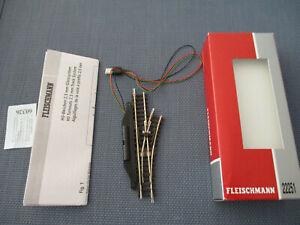 OVP Fleischmann N 22263 Elektrische Weiche rechts 15° Länge 112,6 mm NEU