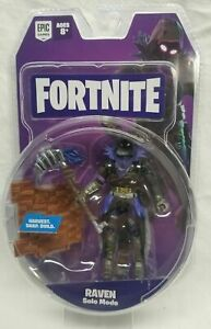 FORTNITE-SOLO-MODE-RAVEN-4-ACTION-FIGURE-JAZWARES-IN-HAND