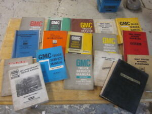 Lot-of-17-Vintage-GMC-HD-Truck-Service-Manuals-1960s-amp-1970s-GM