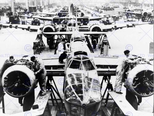 PHOTOGRAPHY WAR WWII UK JET BOMBER PRODUCTION FACTORY ART PRINT POSTER BB10532