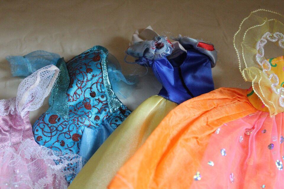 Barbie, 3 kjoler