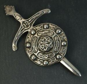 Large-1952-Solid-Silver-Sword-and-Shield-Celtic-Brooch