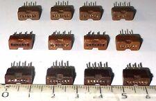 Lot de 12 supports de tube subminiature 7 fil max en ligne US NOS  - RARE -