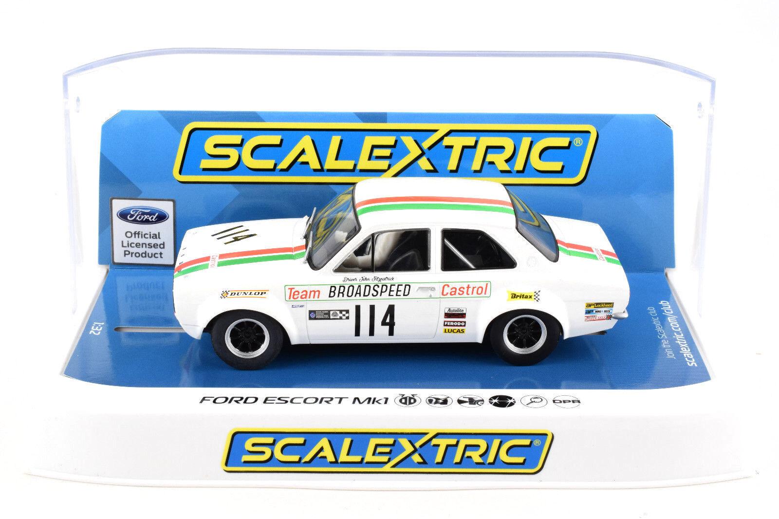 Scalextric  Castrol  Ford Escort Mk1 DPR W  Lights 1 32 Scale Slot Car C3924