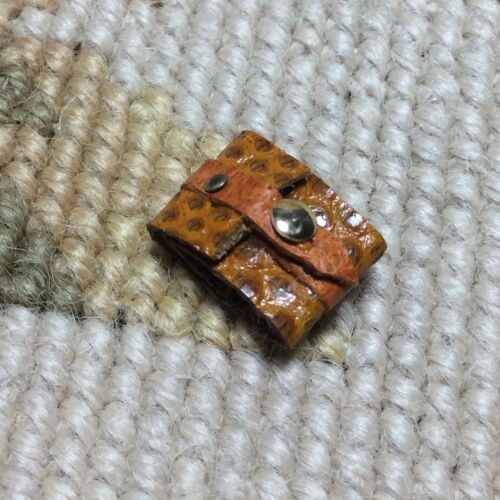 Pat Tyler Dollhouse Miniature Snake Skin Wallet W//Money Inside Floral Box p142