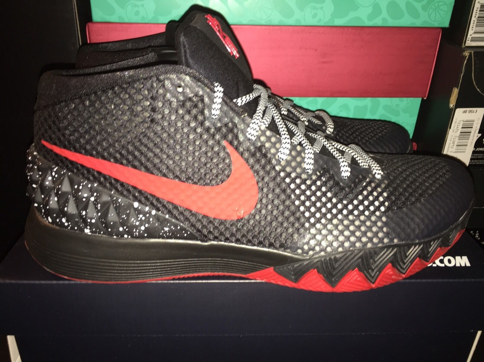 NEW Nike Kyrie 1  BRED  ID Size 9.5 Deadstock In The Original Box