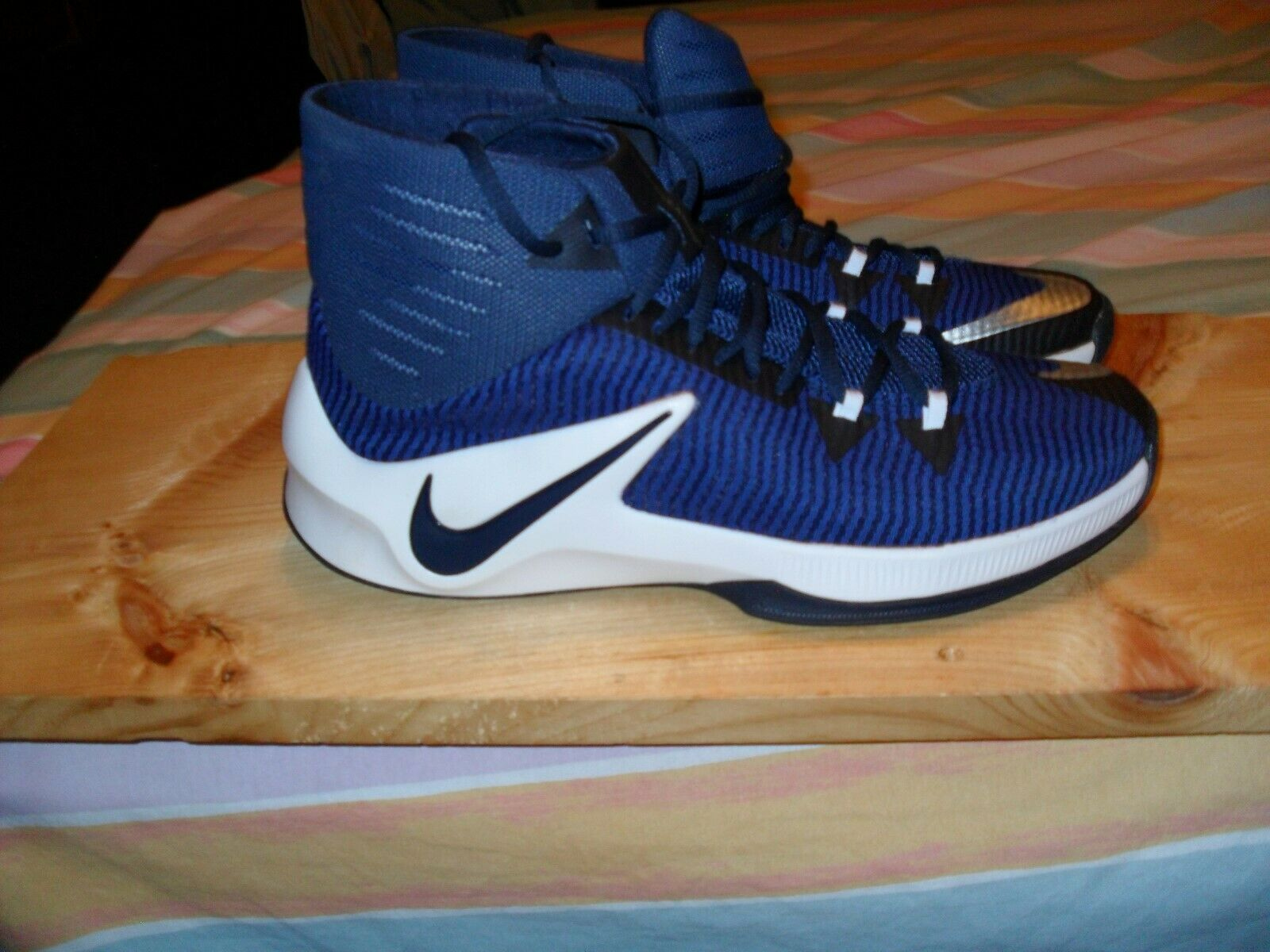 NEW NIKE Zoom Clear Out Men Basketball shoes bluee Silver White SIZE 11.5