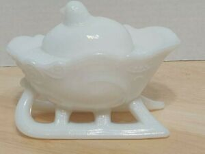 Westmoreland-Emerging-Chick-On-Sleigh-Milk-Glass-Dish