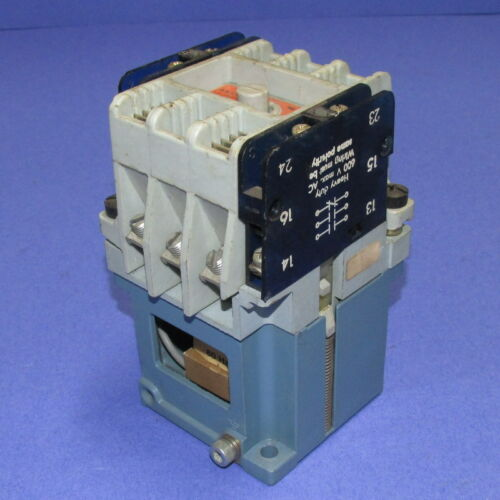 ABB ASEA 110//120VAC COIL AC CONTACTOR EFLG 40