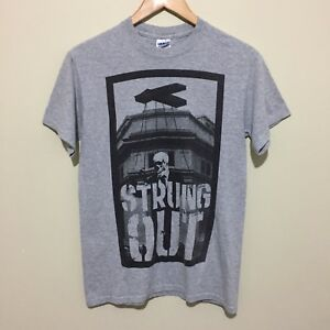 Strung-Out-Skull-Puppet-Graphic-T-Shirt-Tee-Rock-Band-Merch-Grey-Mens-Small