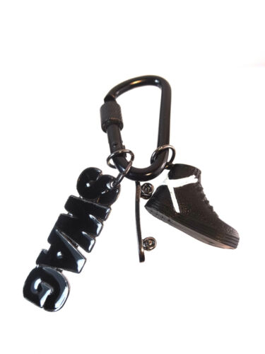 A16 UNIQUE MENS COOL RETRO SWAG SKATER TRAINERS CARBINER KEYRING NEW
