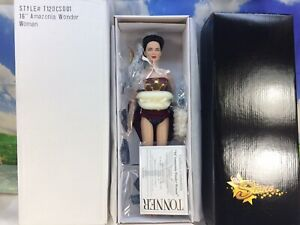 AMAZONIA-WONDER-WOMAN-16-034-TONNER-NRFB-LE-500-NEW-OLD-STOCK-MINT