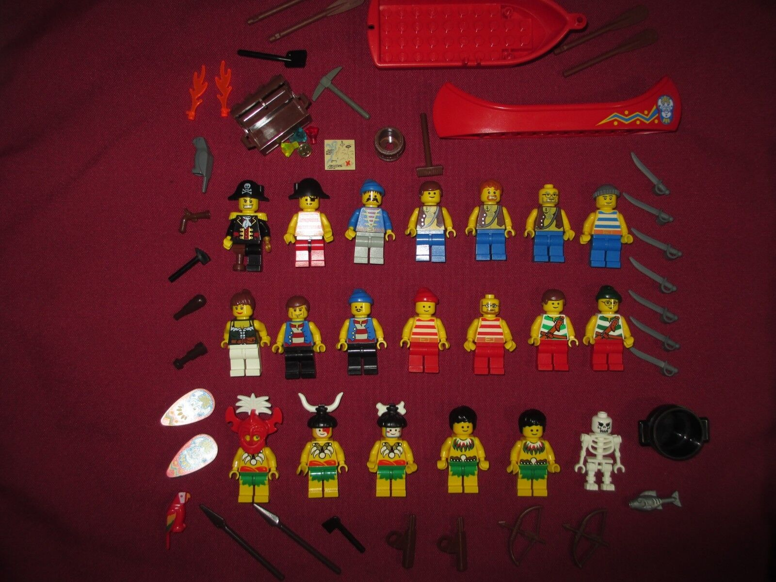 Lego Natives, les insulaires, Pirates minifigures lot. 20 figurines armes etc