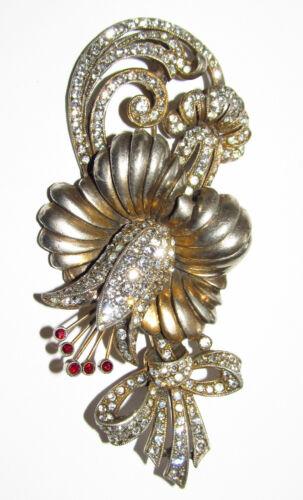 STARET vintage flowers brooch. SIGNED
