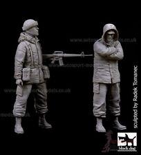 1/35 Resin Figures ~ British Marine & Prisoner  Falklands ~ Black Dog F35087