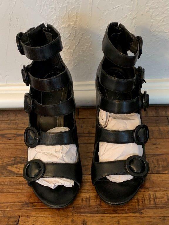 KENDALL + KYLIE Womens Evie Leather Open Toe Dress Sandal Display Model sz 8M