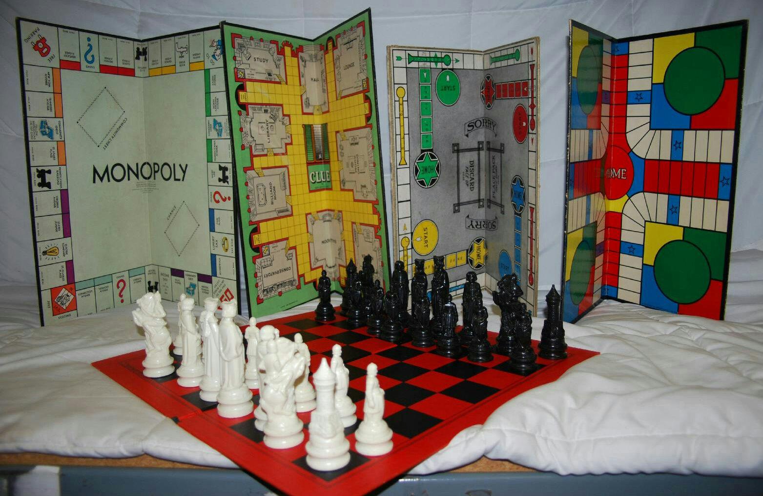 Anri 31 piezas de ajedrez & Mb Damas, Lo siento, India, placas de juego monopolio Clue &