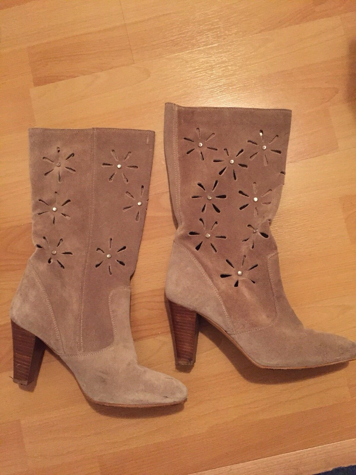 KG vintage-style suede cut out boots , UK4 Embellished 80s