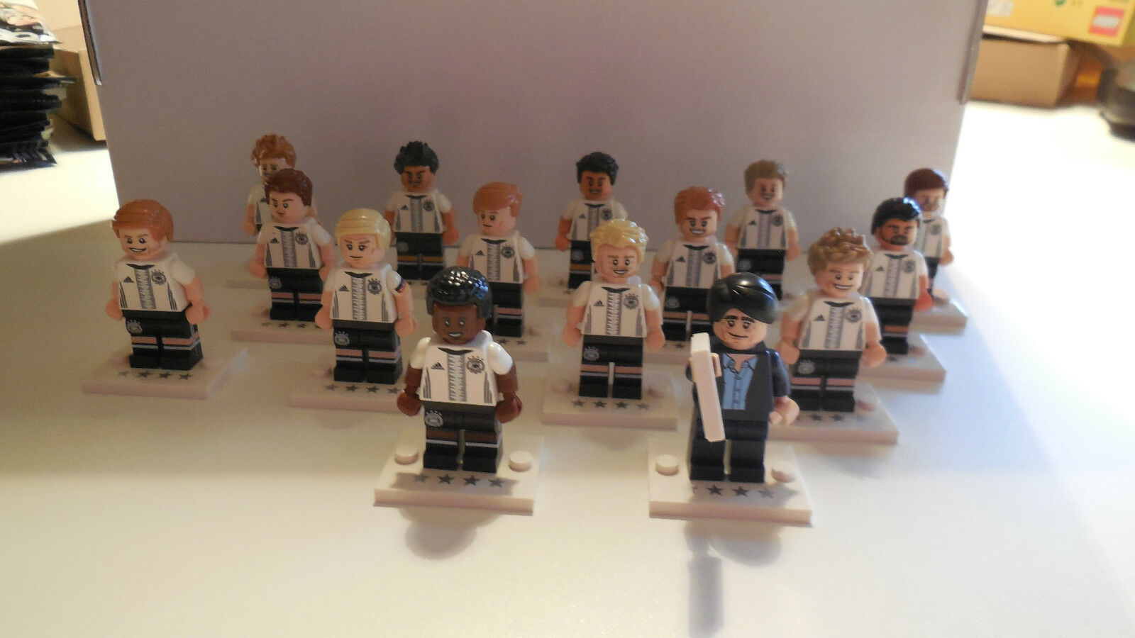 Lego Minifigur DFB Manschaft 15 Figuren + BPZ + Ball + Tüte