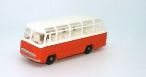 LESNEY-MATCHBOX-NO-68-MERCEDES-COACH-MINT-bh