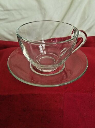 Set Of 4 Arcoroc France Clear Glass Cup and Saucer Sets