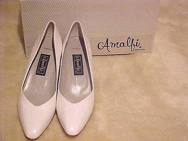 LADY'S LEATHER PUMP DRESS SHOES AMALFI  VIVALE WHITE TOSCA CALF SIZE 8.5 AA