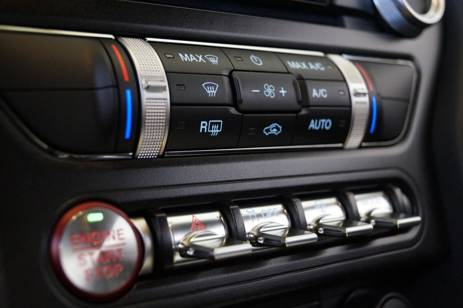 Ford Mustang 5,0 V8 GT Fastback Bullitt - billede 15