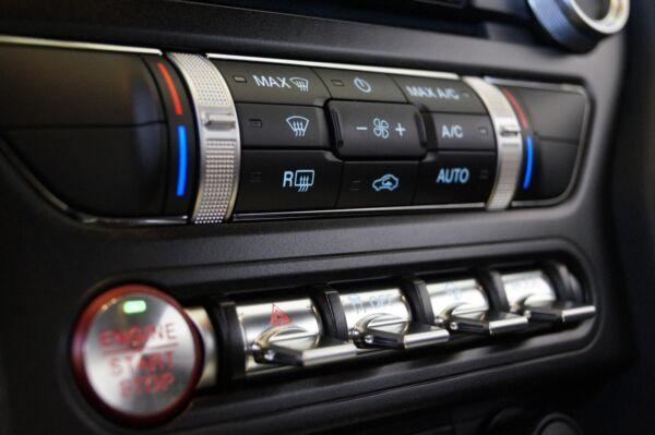 Ford Mustang 5,0 V8 GT Fastback Bullitt billede 15