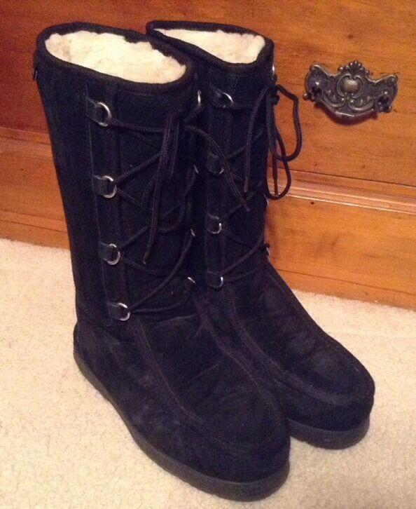 EUC! Women's Mi Woolies Black Suede Sheepskin Lined Lace Up Boots Sz M7/L8