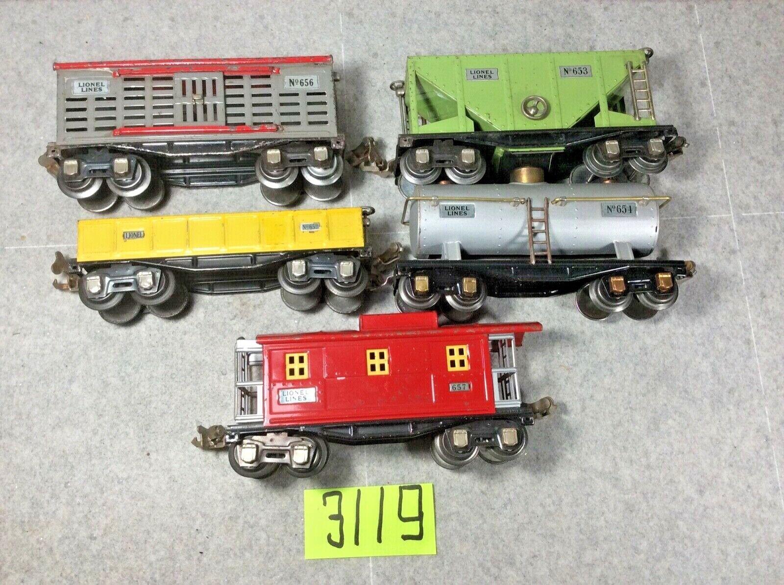 Lionel set of 5 cars  652, 656, 654, 657,, 653 O gauge
