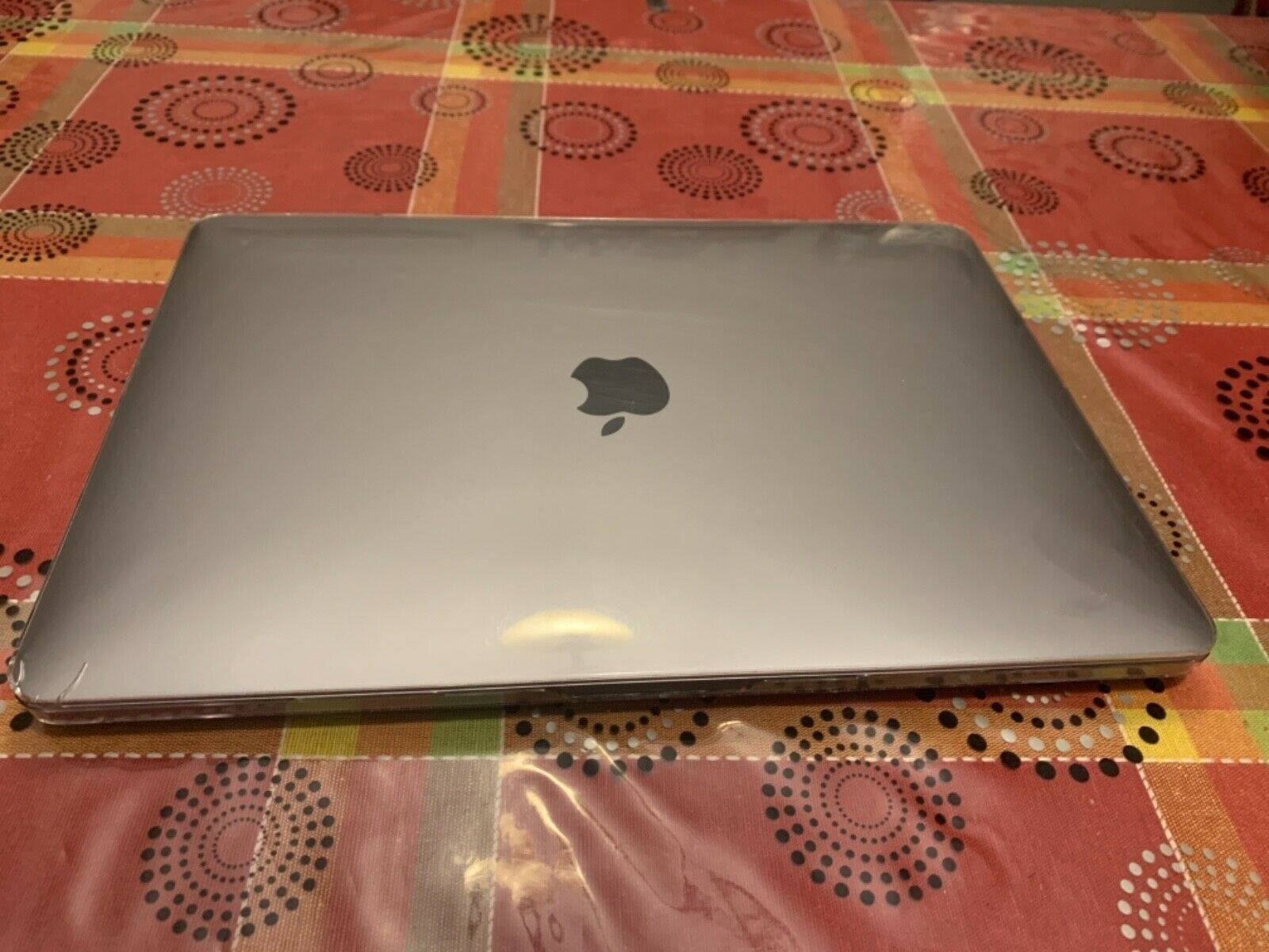 macbook: Apple MacBook Pro 13.3″ (128GB SSD, Intel Core i5 8ª generazione, 3,90 GHz, 8GB)