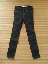 NEW . HOLLISTER . .Woman Ultimate Stretch Jegging.. Size  0S  ( Lower W 26-28 )