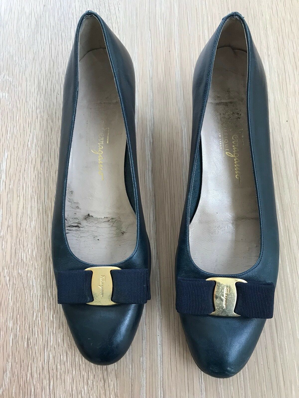 Vintage SALVATORE FERRAGAMO VARINA VARA VARA VARA blueE LEATHER  SHOES 9AAA  Or 8.5 9d058c