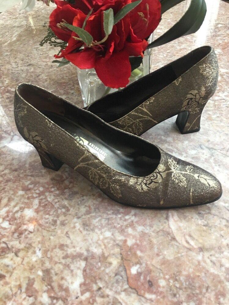 Salvatore Ferragamo Metallic Gold Floral Fabric Pumps Heel Schuhes Größe 7