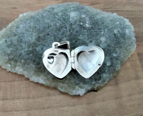 925 Sterling Silver Lovely Small Silver Heart Locket with Single Heart Shape