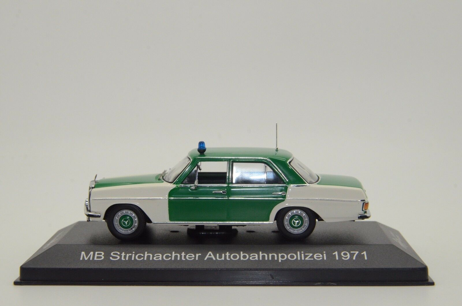 Mercedes Mercedes Mercedes 200 8 Germany Autobahn Polizei 1971 Police IXO CARS&Co CCC012 1 43 2e27db