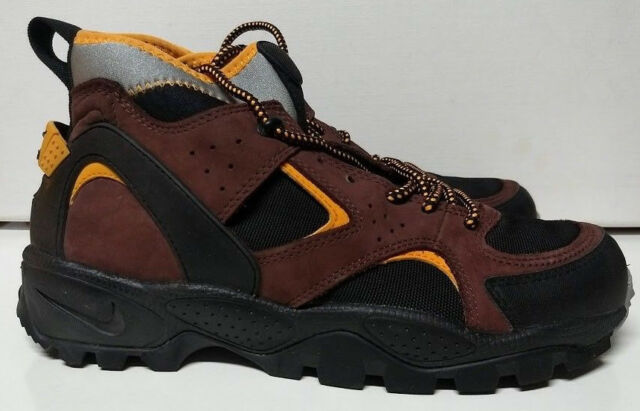 9d7c9c91e266 Vintage ACG Nike Air Mowabb Size 10.5 Black Shock Orange Team Brown ...
