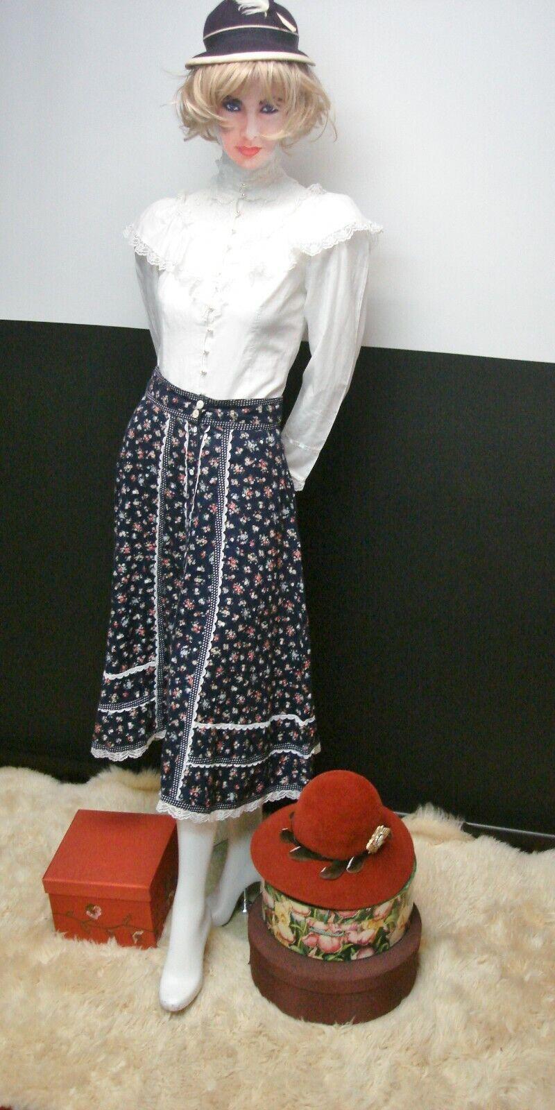 👒Vintage Gunne Sax Jessica's Gunnies Blue Floral… - image 5