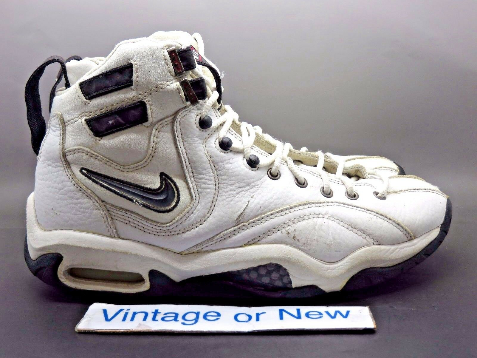 VTG Nike Air Alonzo White Black Varsity Red Mourning 1997 sz 10