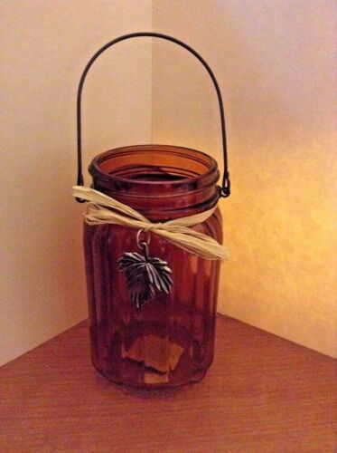 AMBER RIBBED JAR WWIRE BAIL HANDLE RAFFIA RIBBON BOW PLASTIC SILVER LEAF DECOR