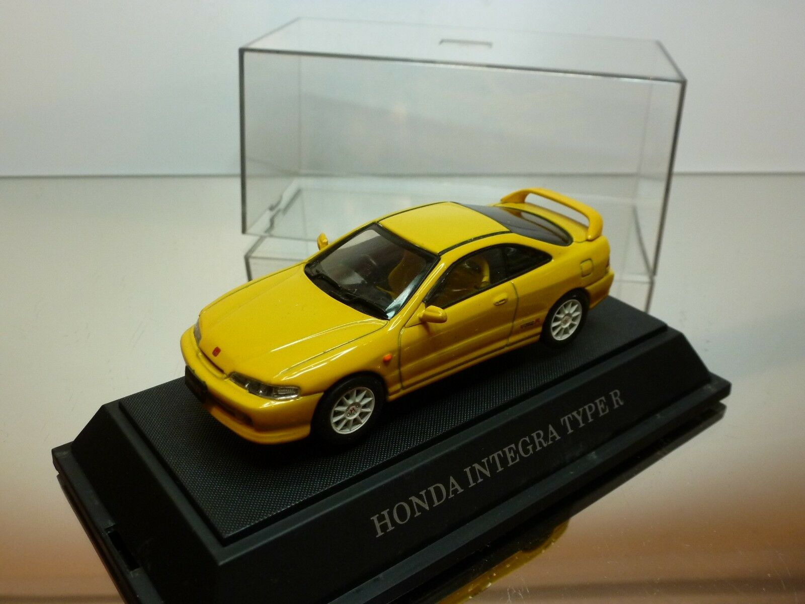 EBBRO HONDA INTEGRA TYPE R - jaune 1 43 -  EXCELLENT IN SHOW-CASE