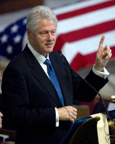 PRESIDENT BILL CLINTON EULOGIES ADM W CROWE 8X10 PHOTO