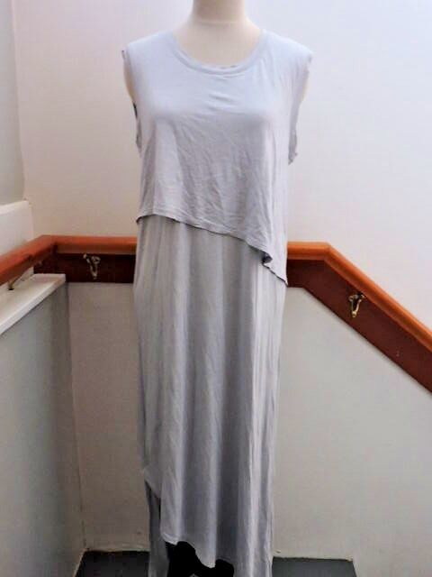 NWT  JAMES PERSE SOFT OVERLAY MIDI RUCHED SLEEVELESS DRESS 3 (M-L) grau